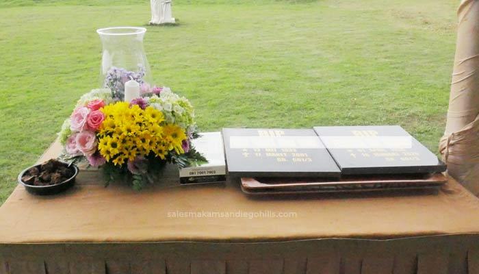 bunga meja untuk pemakaman standar di san diego hills